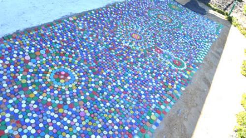 Дорожки из пробок от пластиковых бутылок. Материалы и инструмент