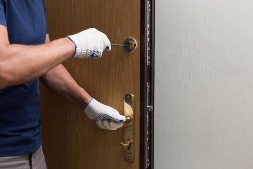 Монтаж металлической двери. Установка входной двери без профессиональной помощи
